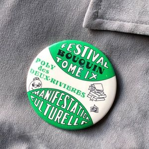 Vintage Button Pin - Festival Bouquin Tome IX